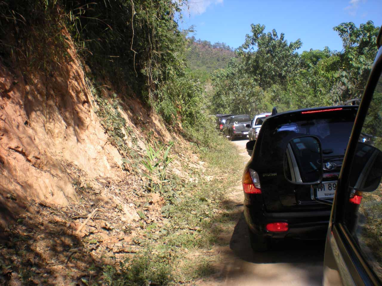 Traffic jam on the way to Pong Dueat