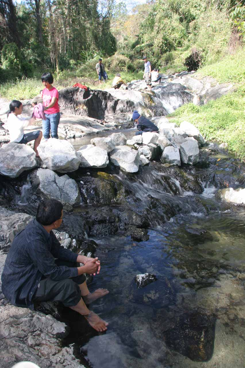 Dipping our feet in the geothermally heated waters of Pong Dueat