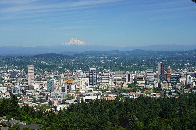 Portland_116_06242021 - I made the nearly 3.5-hour drive from Portland to get to the Harmony Viewpoint and Windy Ridge Viewpoint of Mt St Helens.  Here's a commanding view of downtown Portland backed by Mt Hood as seen from the Pittock Mansion