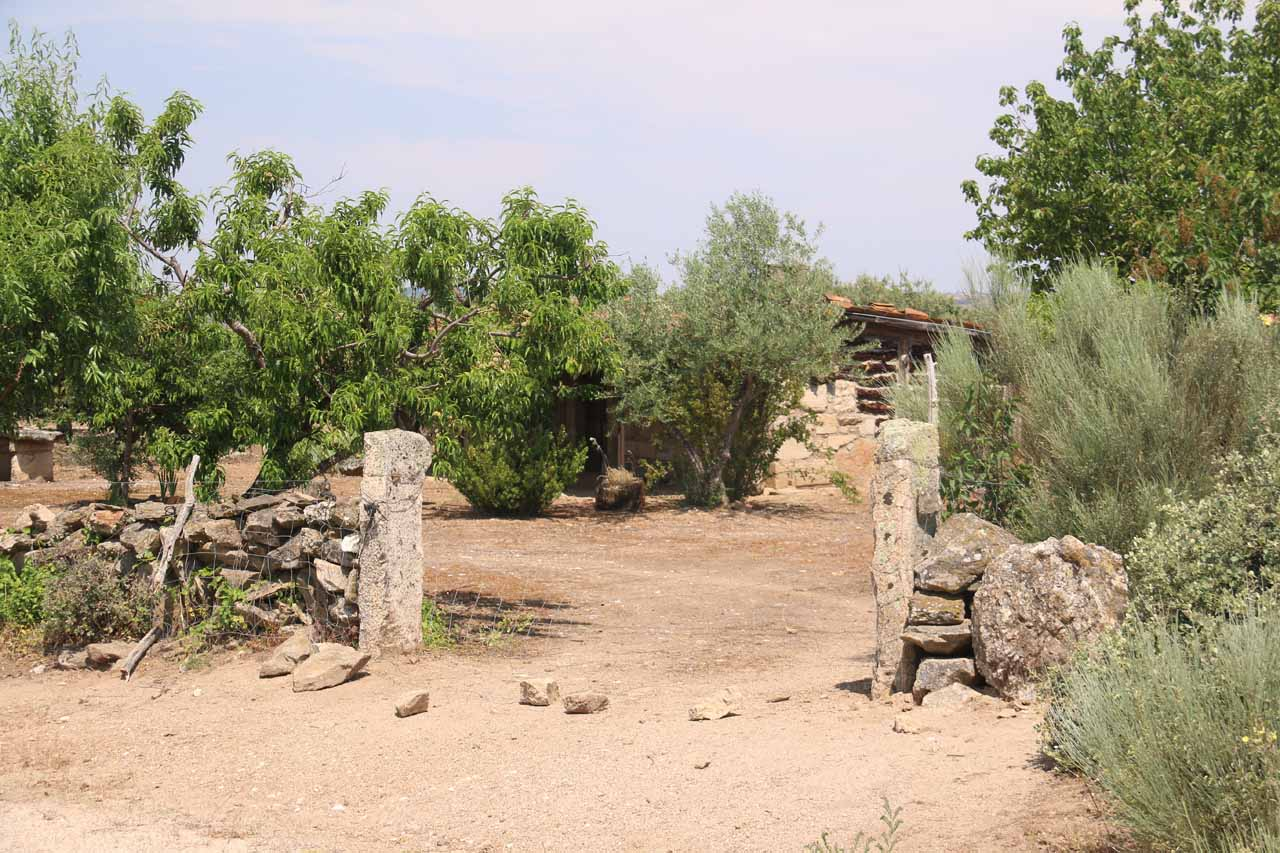 The trail on the Pereña side passed by what appeared to be some private residence