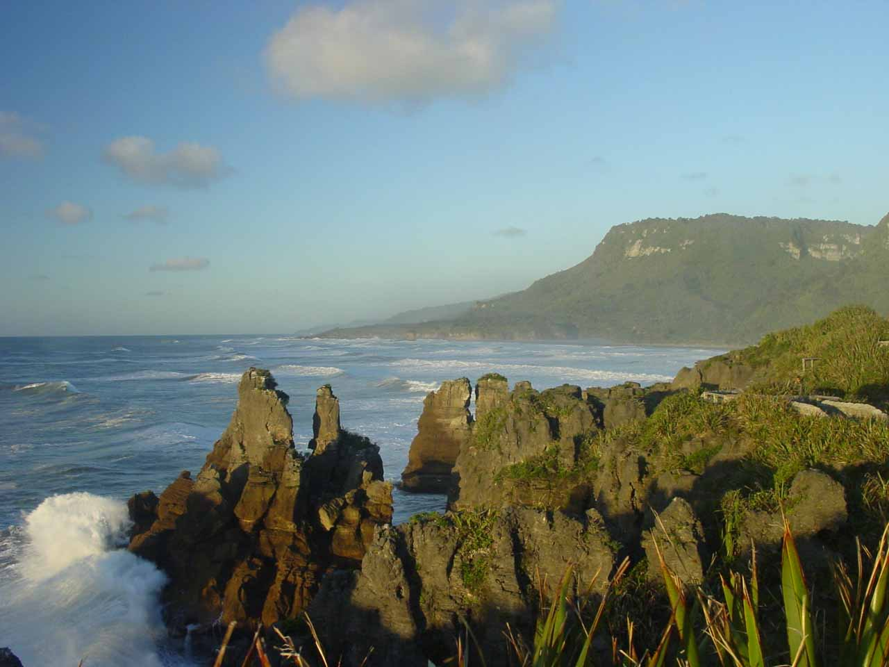 On the day before our visit to Arthur's Pass, we went half-way between Greymouth and Westport to check out the Pancake Rocks at Punakaiki just in time for sunset