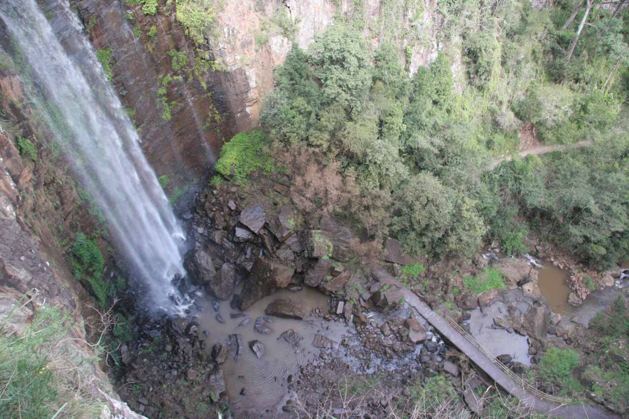 Queen Mary Falls and walk going across its base