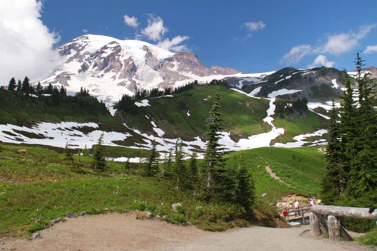 Looking at Mt Rainier from the falls viewpoint junction