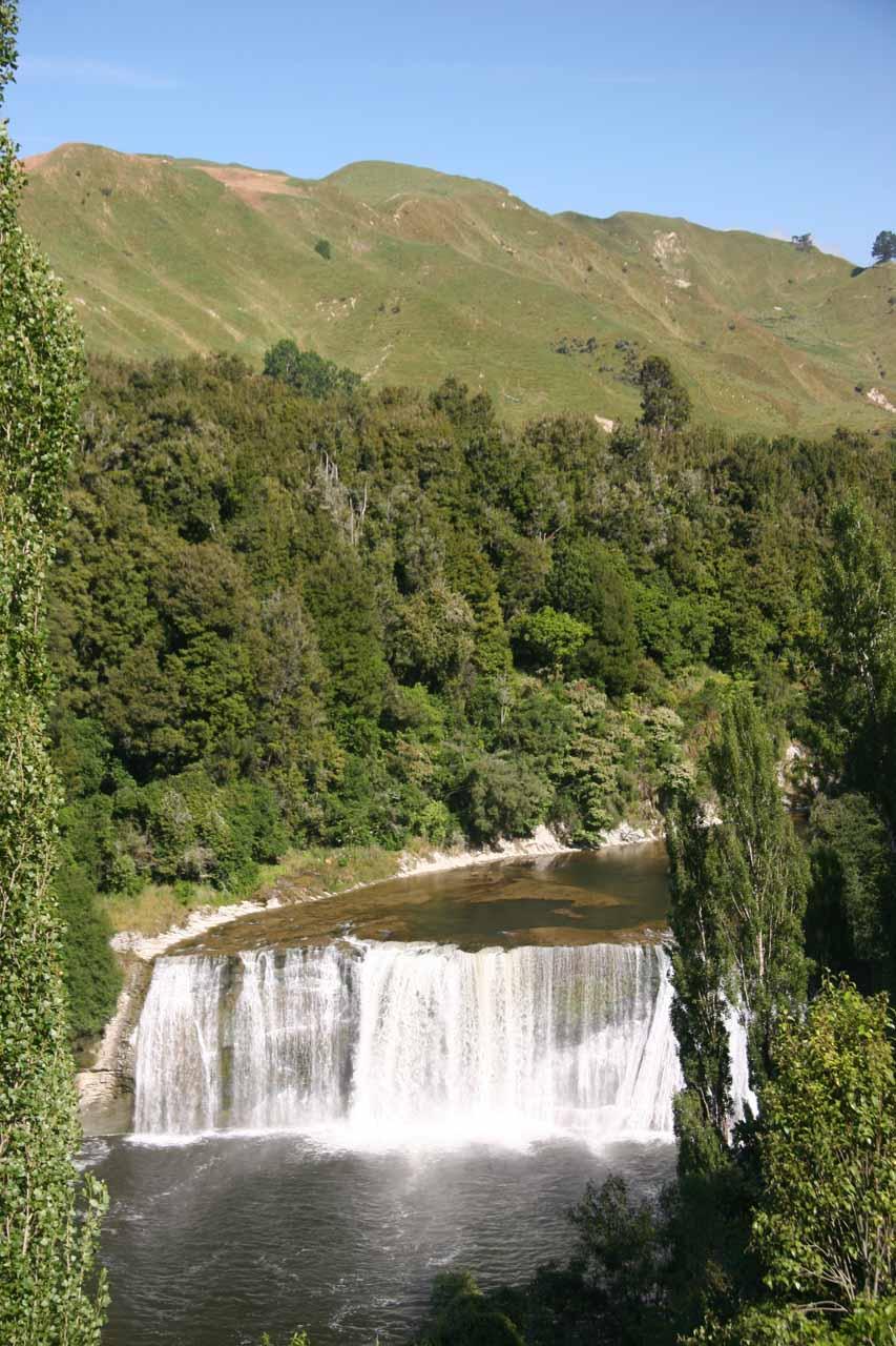 Contextual view of Raukawa Falls