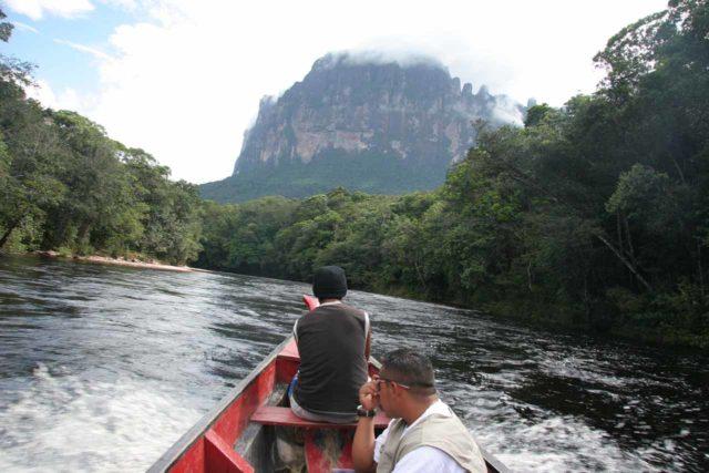 Rio_Churun_022_11212007 - Riding the motorized boat on the Rio Churun en route to Angel Falls