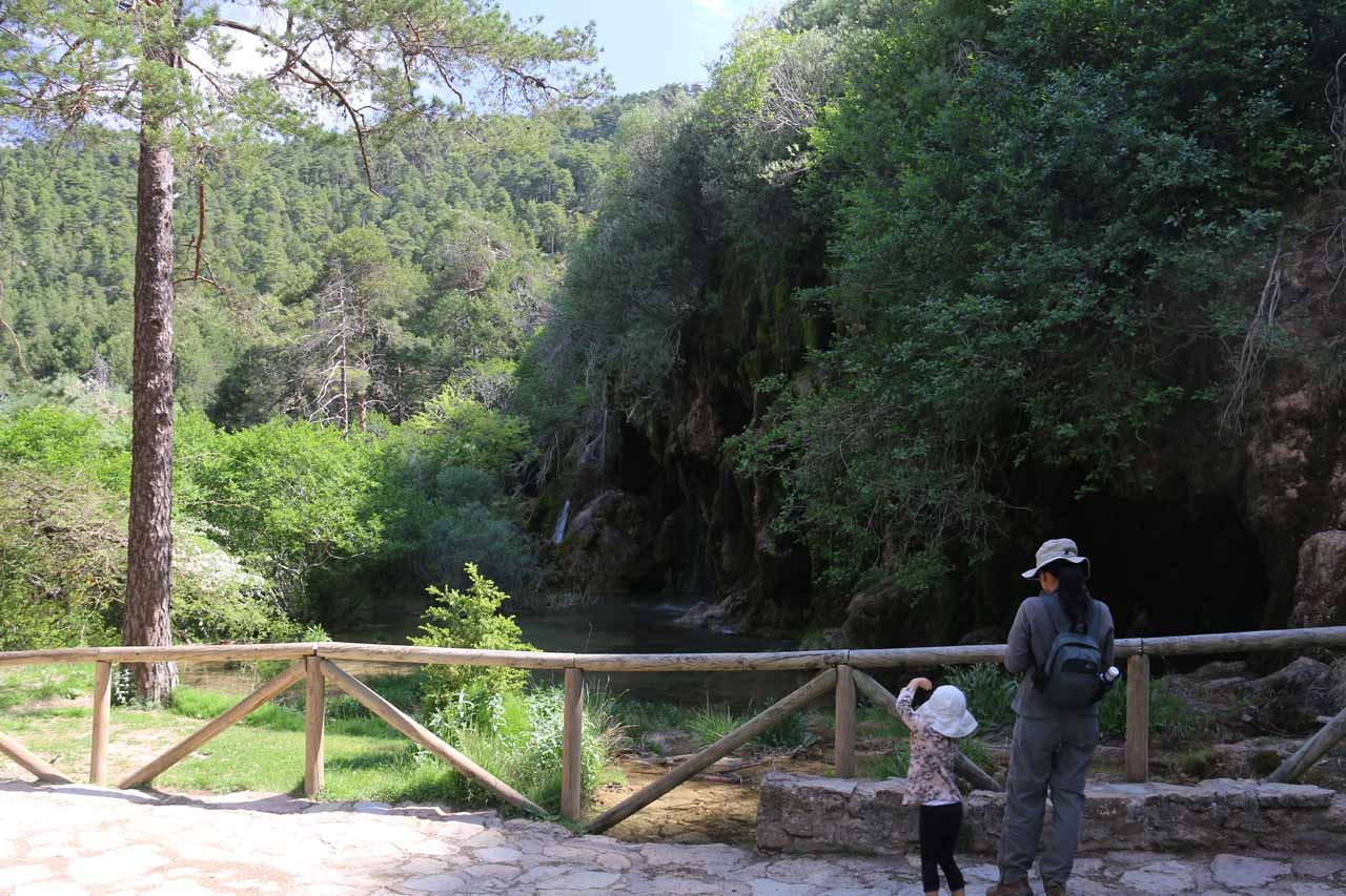 Context of the mirador of the waterfall at the Nacimiento del Río Cuervo