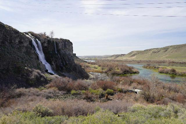 Ritter_Island_001_04022021 - View of Lemmon Falls and the Snake River as seen from the unpaved road leading down to Ritter Island