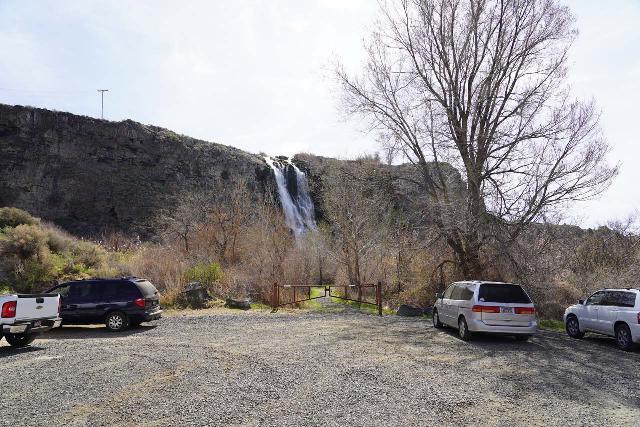 Ritter_Island_009_04022021 - The nearest trailhead to the Ritter Island Waterfall