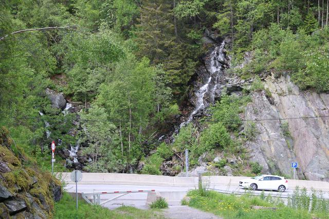 Rjukan_150_06192019 - Returning to the pullout where we parked the car to do the Rjukanfossen excursion