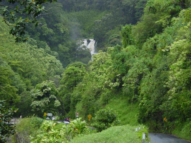 Road_to_Hana_009_09012003