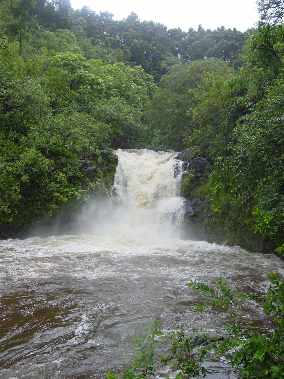Still another look at the Upper Puohokamoa Falls in flood