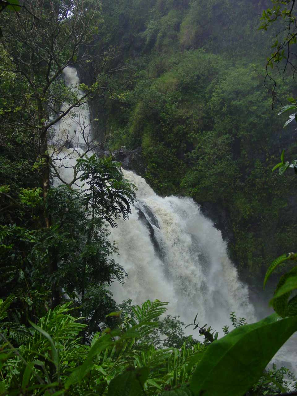 Waikani Falls on a rainy day in September 2003