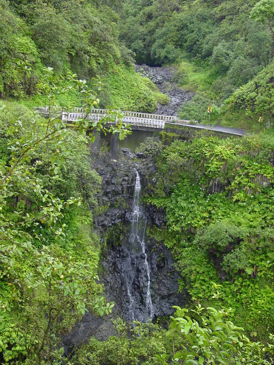 Lower Wailuaiki Falls when not in flood