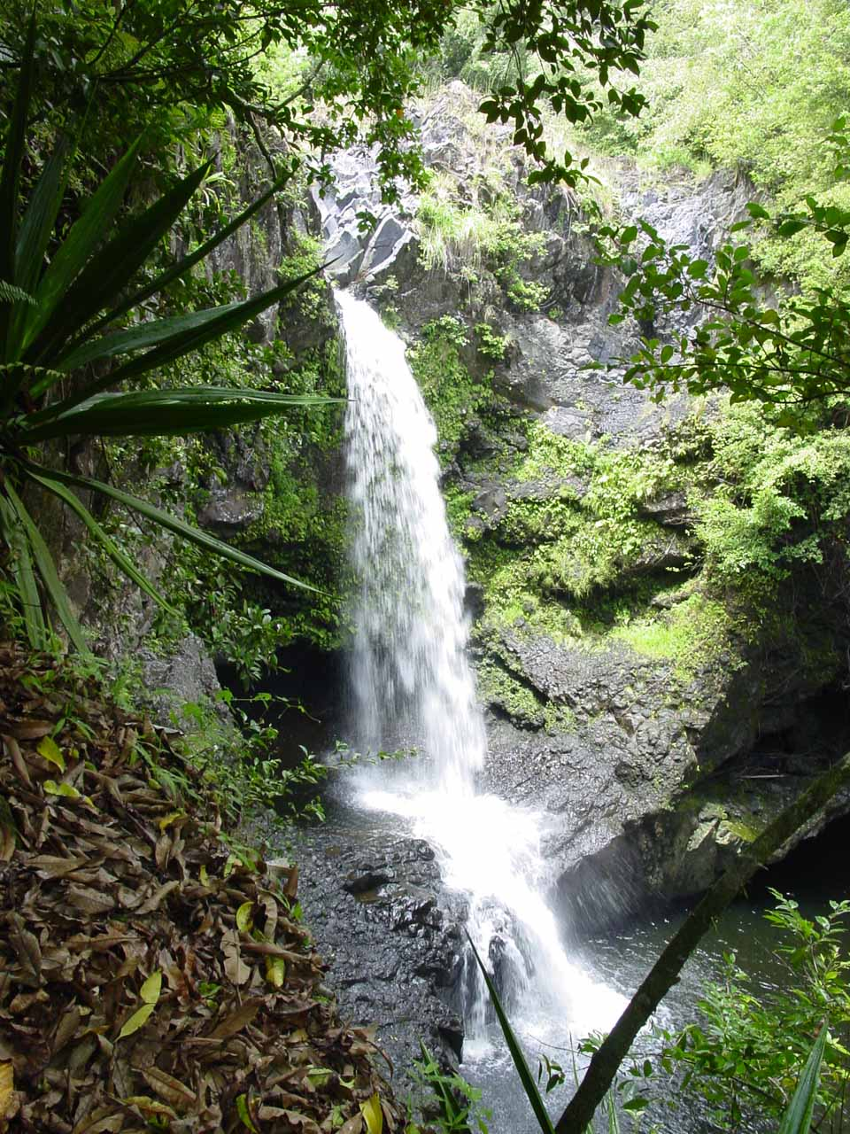 Interesting waterfall not far from Makahiku Falls
