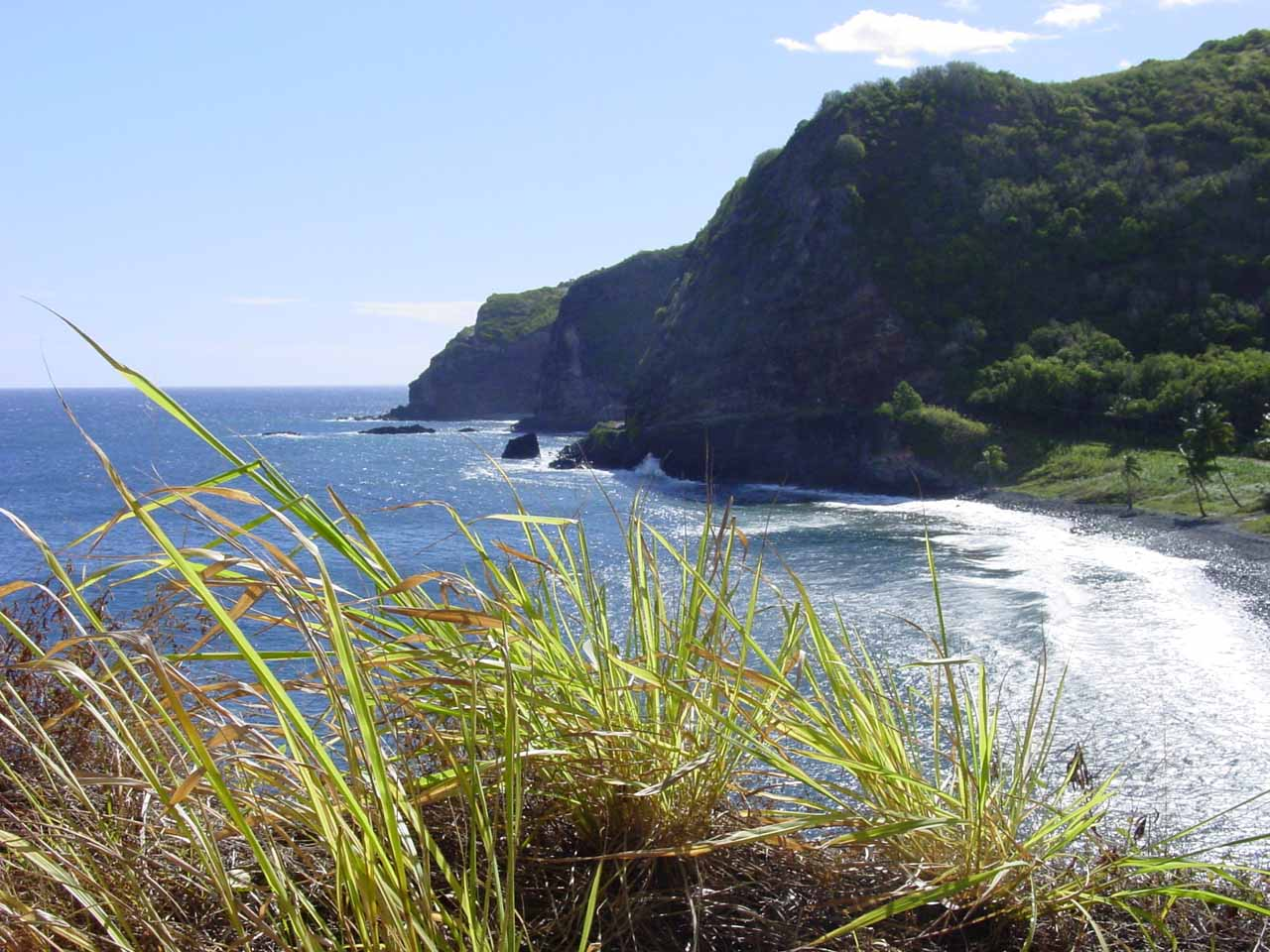 Checking out the coastline along the Pi'ilani Highway as we were getting closer to the Alelele Stream Bridge