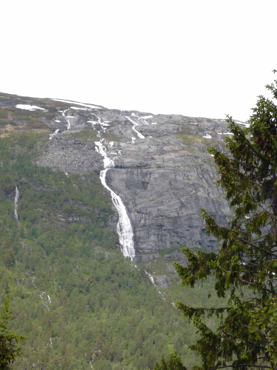 This impressively tall waterfall, which we believe to be called Svaåafossen, was the very reason why we managed to find Kleivafossen