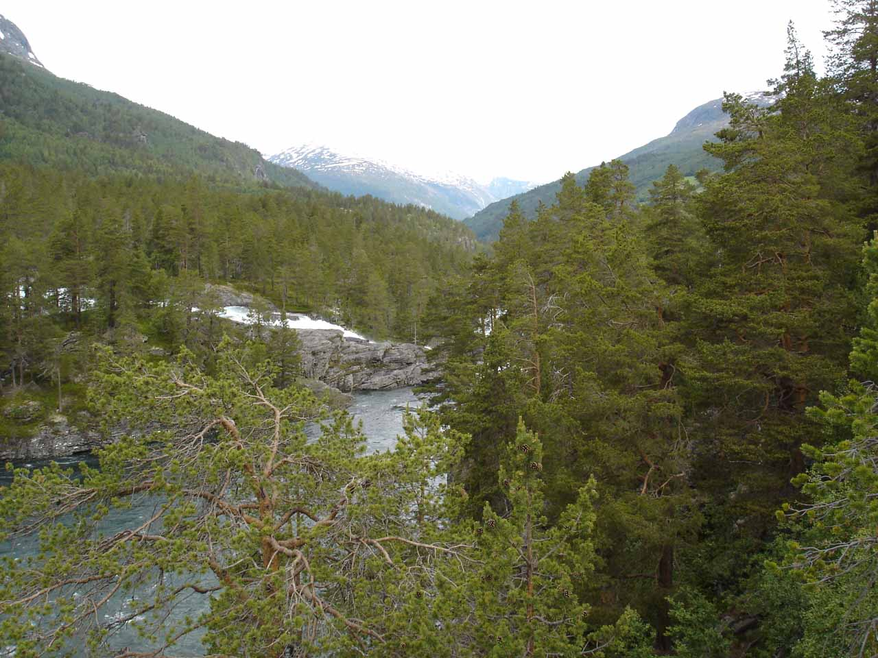 Looking downstream from Kleivafossen, Romsdalen looked like a broad valley, but as we headed further northwest, it would get narrow and dramatic real quick