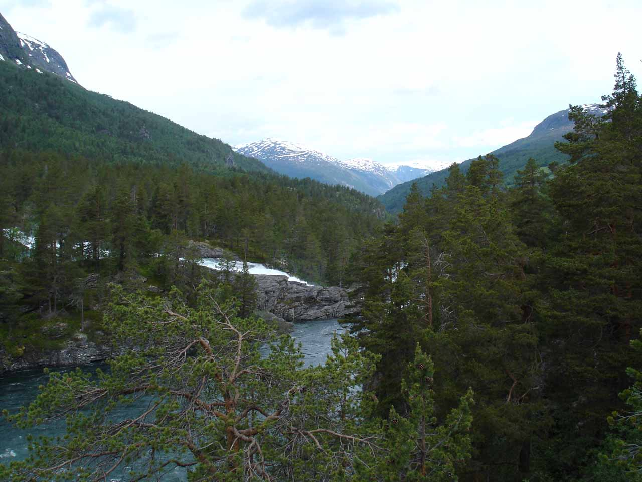 This was the view looking downstream along the Rauma towards Romsdalen from Kleivafossen
