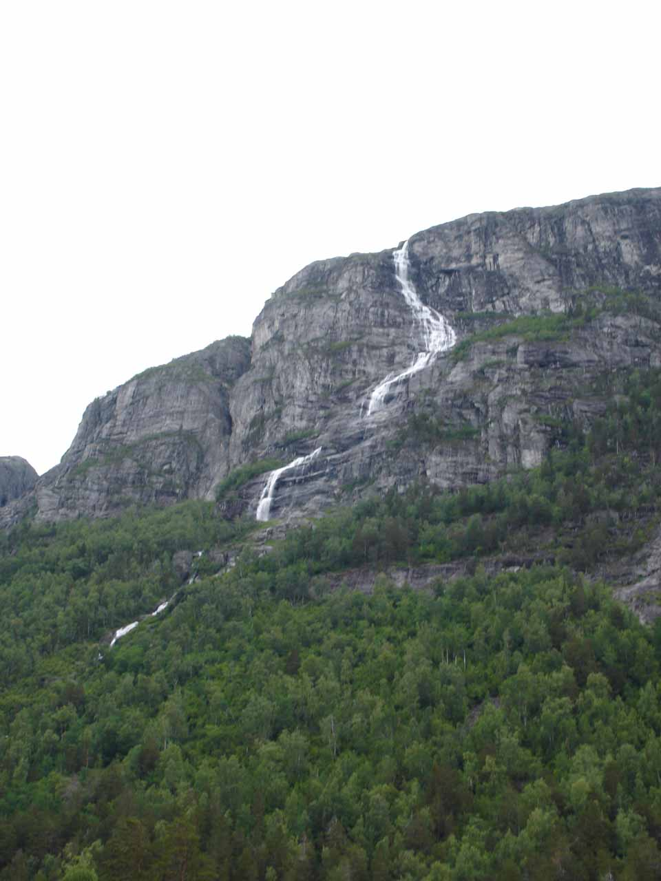 An interesting and tall twisting waterfall in Romsdal Valley that we noticed as we were approaching Ølmåafossen