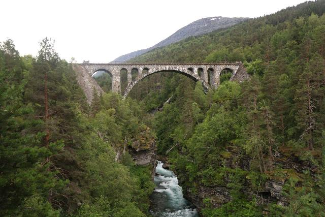 Romsdalen_181_07162019 - While in the hamlet of Verma, there was the historic Kyllingbrua, which was an arched railway tressel bridge spanning the Rauma River, and it was just 1.2km south of the Vermafossen pullout itself