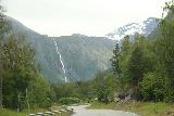Romsdalen_235_07162019 - Another contextual look at the E136 fronting the impressive Olmaafossen in Romsdalen