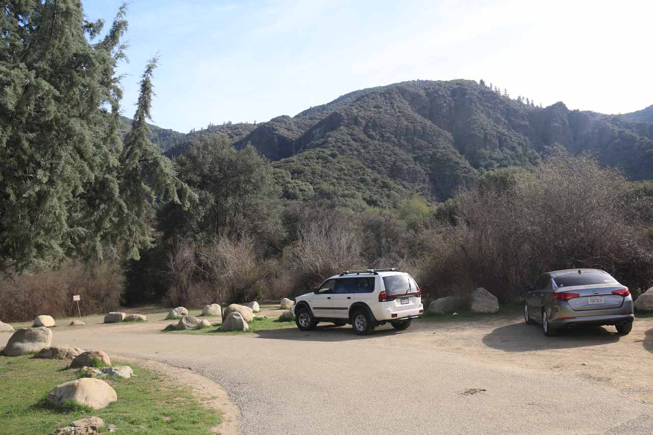 Trailhead parking near Campsite 4 at the Rose Valley Campground