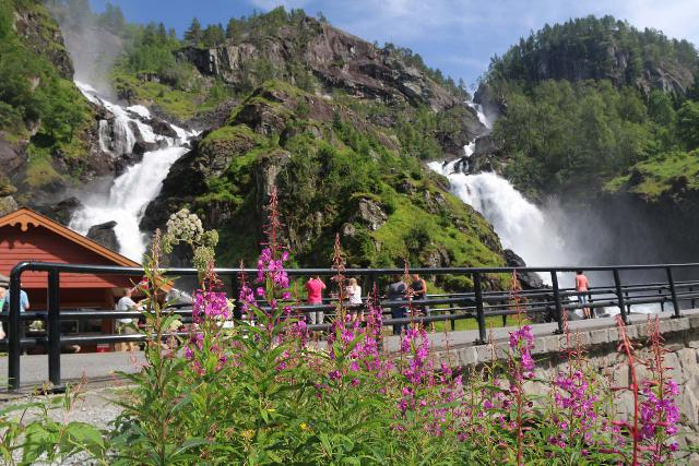 Rv13_151_07242019 - Pretty close to Rullestadvatnet was Oddadalen and its many waterfalls between Skarre and Odda.  Shown here is the famous Låtefossen