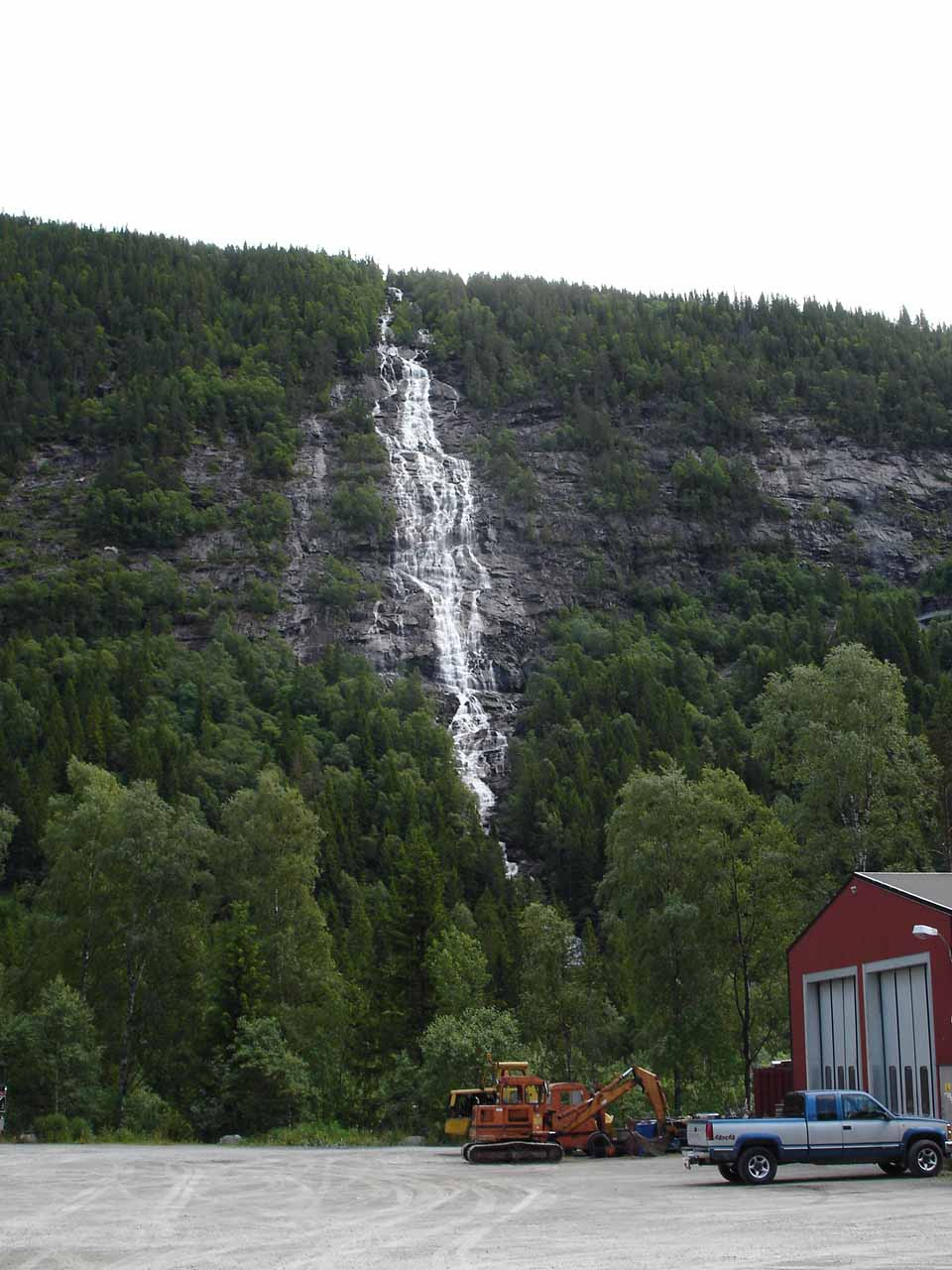 Looking directly at the waterfall about 7km east of Rjukan