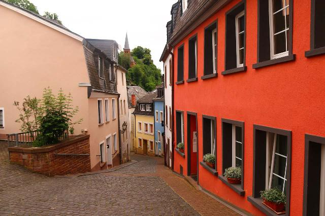 Saarburg_Waterfall_047_06182018 - Sometimes following the GPS was not a good thing because it made us go down this very narrow alleyway and through some local streets before finally getting us to the car park on the other side of the Straden street in Old Saarburg