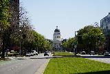 Sacramento_194_04102021 - Approaching the State Capitol Building from the middle of the Capital Mall Road