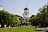 Sacramento_198_04102021 - Even closer look at the California State Capitol Building from the middle of the Capitol Mall
