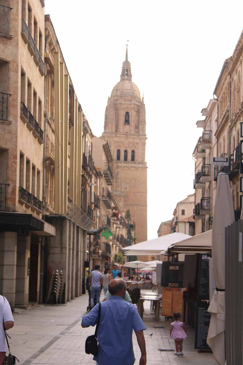 Looking ahead towards the bell tower of the New Cathedral in Salamanca as we were walking on Rua Mayor