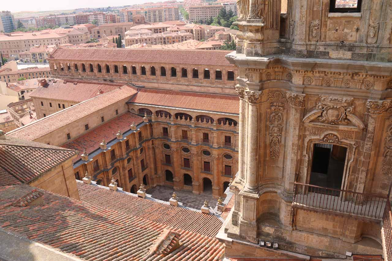 Looking towards a courtyard beyond the adjacent tower from the Scala Coeli