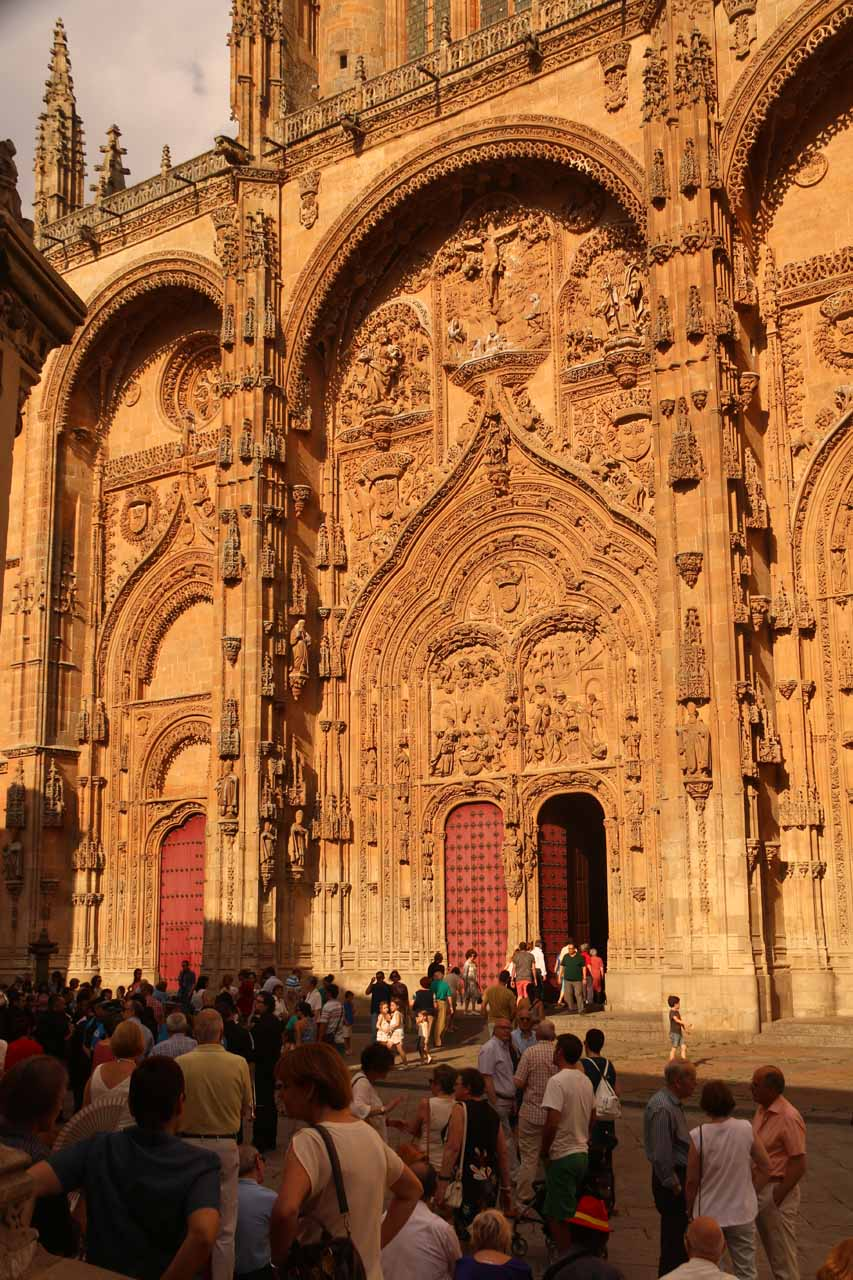 Another look back towards the busy entrance of the New Cathedral in Salamanca
