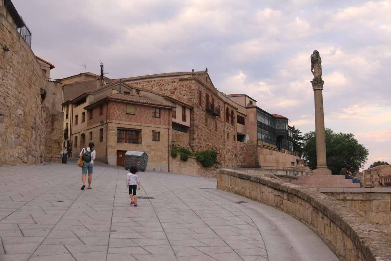 Julie and Tahia going back up towards the old town of Salamanca