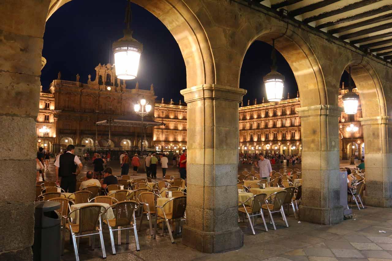 Looking through a few arches towards the Plaza Mayor de Salamanca