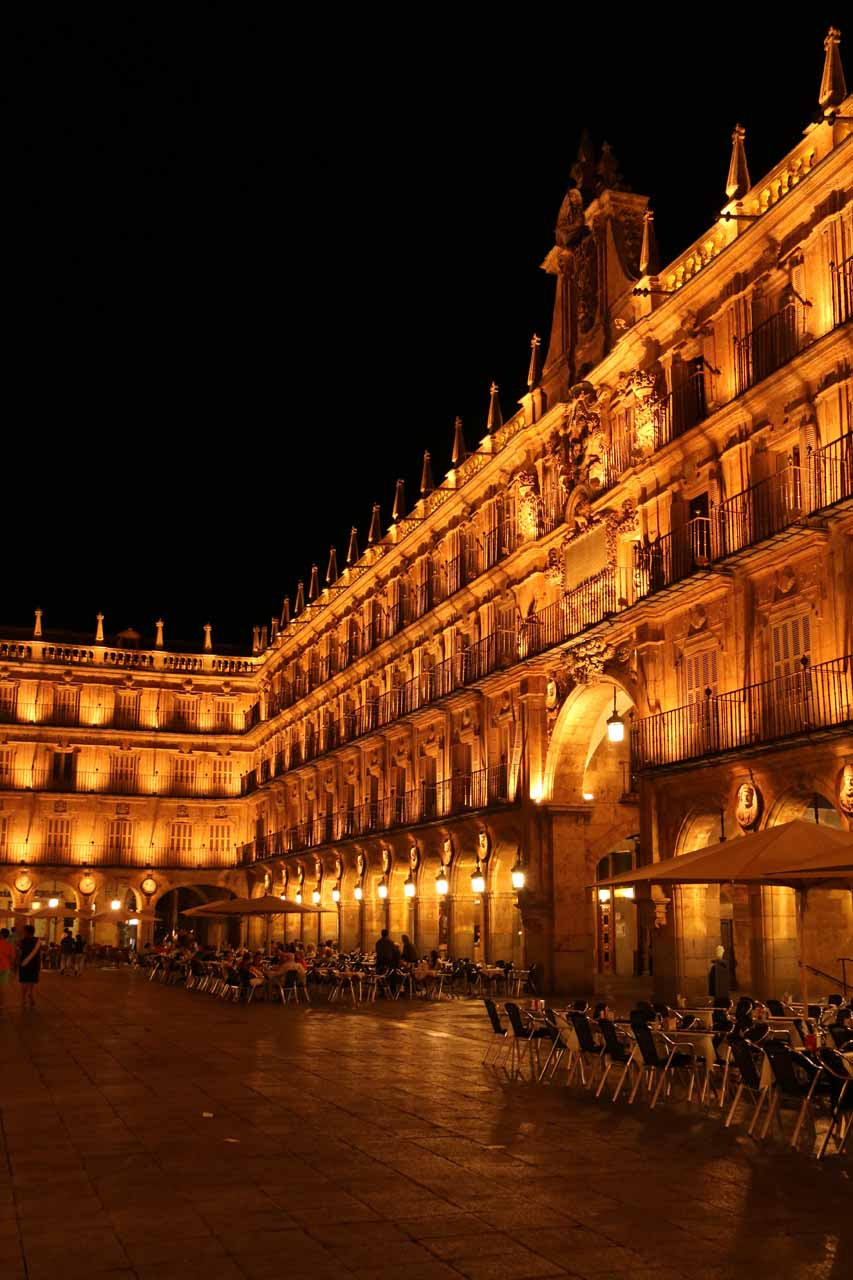 Profile view of one side of the Plaza Mayor in Salamanca