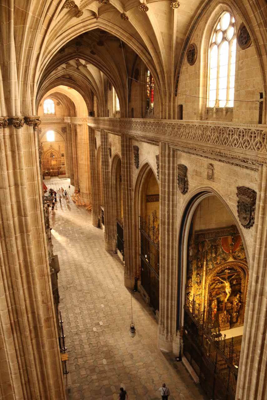 Different angled view of a different hallway of the New Cathedral seen from Ieronimus
