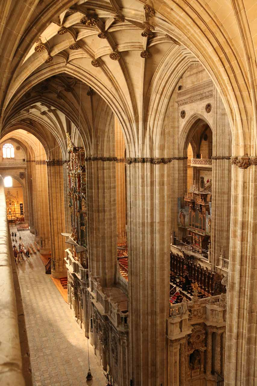 Yet another look at the hallways of the New Cathedral seen from Ieronimus