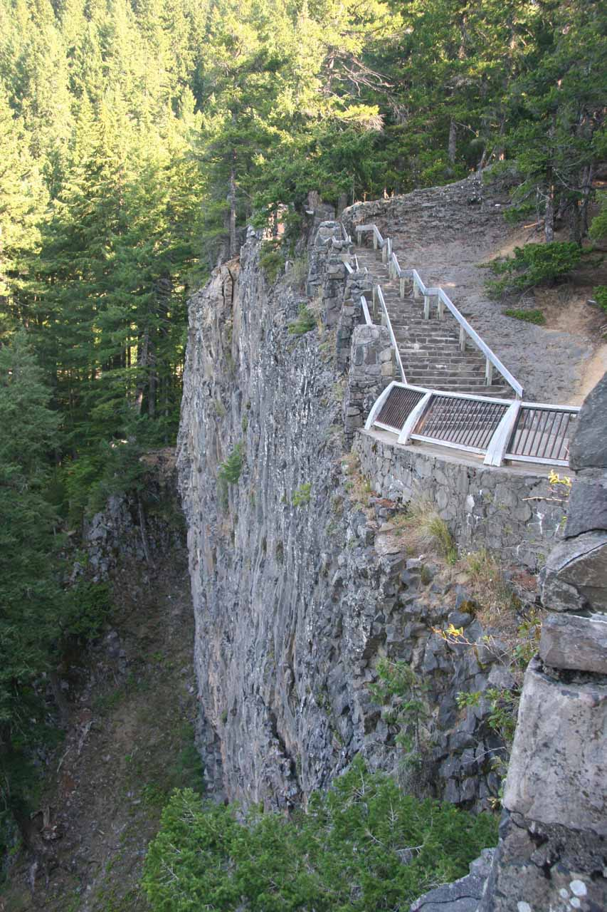 Cliffhugging viewpoints