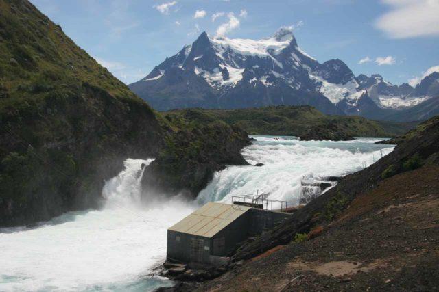 Salto_Chico_011_12242007 - Salto Chico fronting part of the Cuernos del Paine