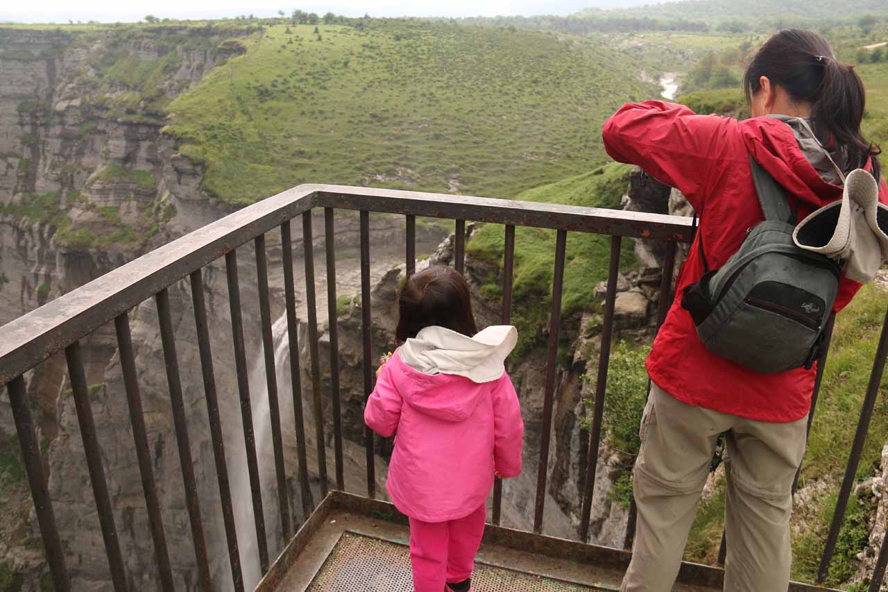 Julie and Tahia checking out the Salto del Nervión from the mirador