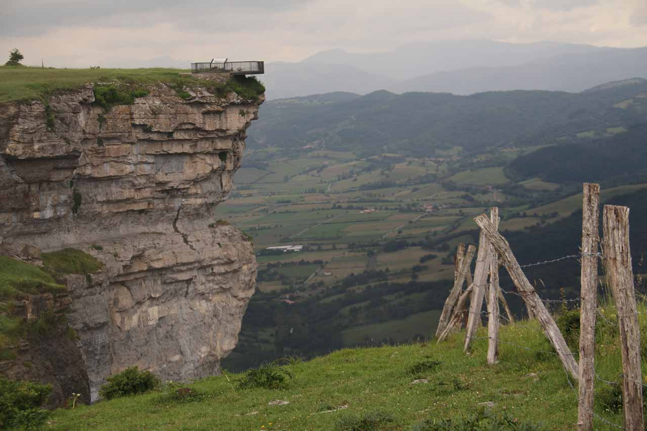 Looking towards the mirador de Salto del Nervion