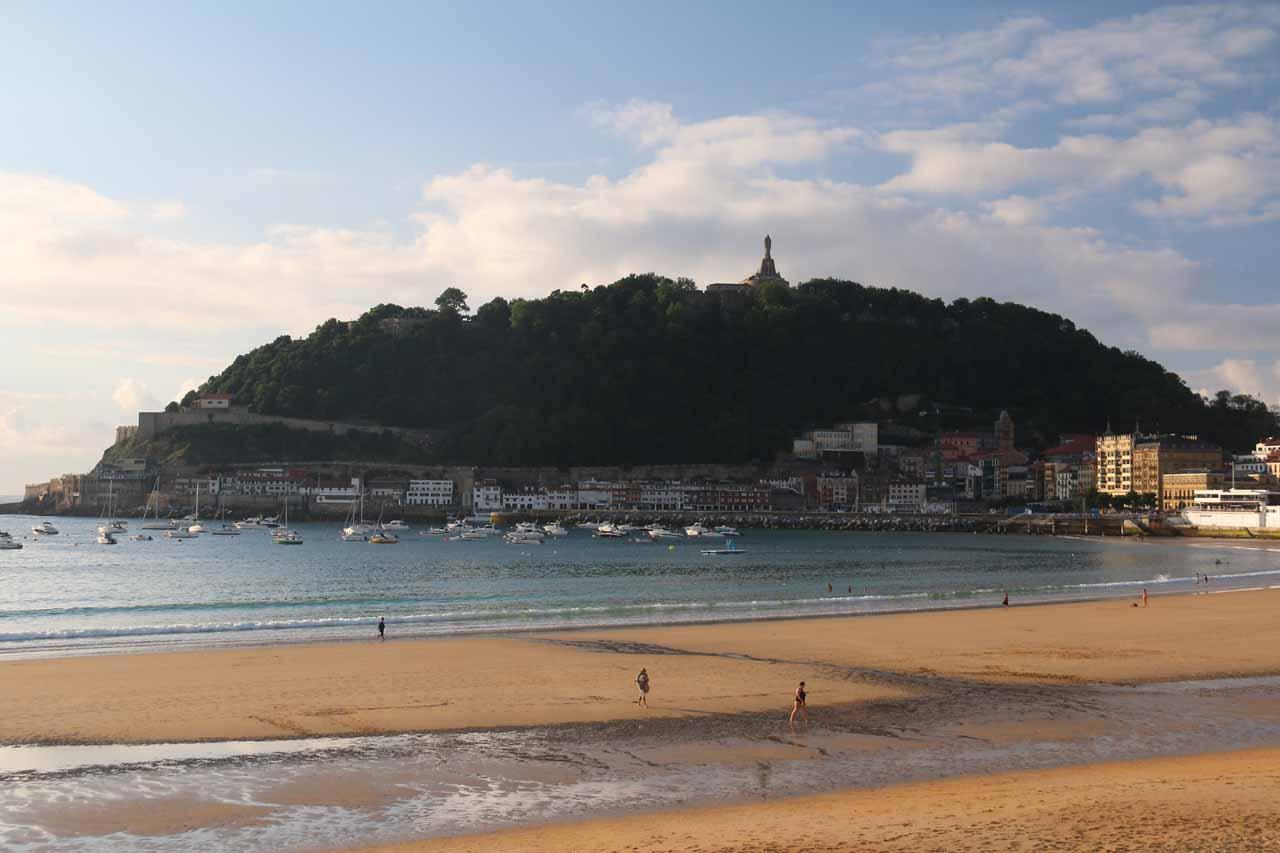 Looking over Playa de la Concha towards Monte Urgull and the Rio de Janeiro-like statue atop the hill