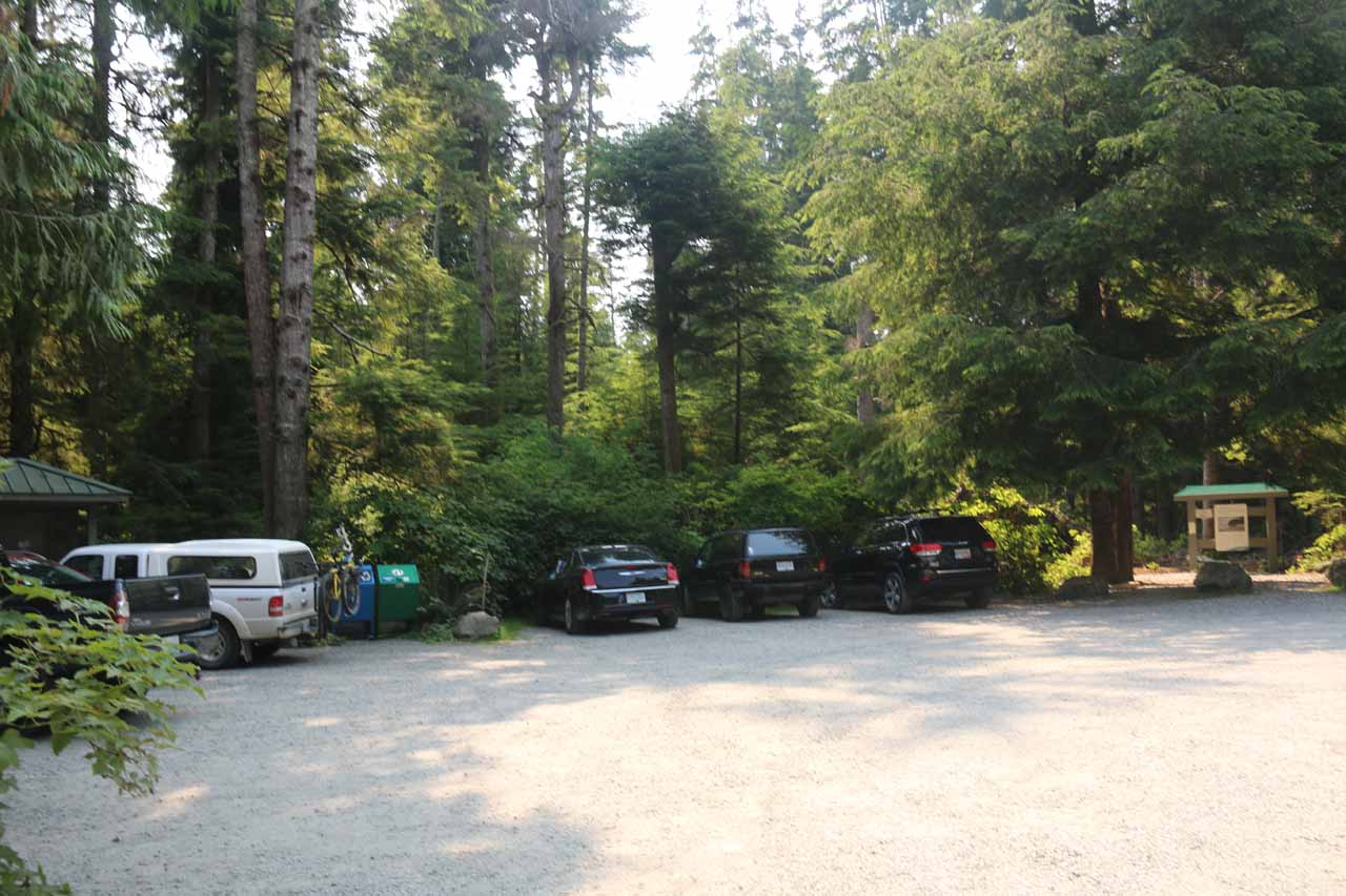 The trailhead parking lot for Sandcut Beach