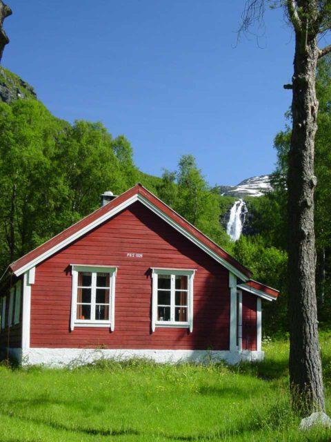 Sanddalsfossen_001_06302005
