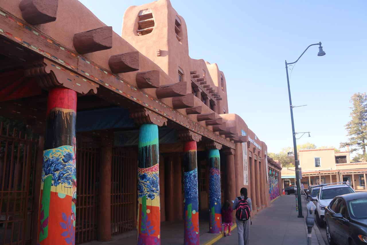 The city of Santa Fe had a surprisingly diverse art scene, which was reflected in the architecture as well as in the galleries of Canyon Road