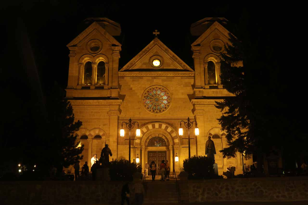 Santa Fe was charming because it had quite the mix of Spanish and Native American architecture and arts, which impressive the Cathedral Basilica of St Francis of Assisi was an example