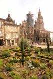 Santiago_de_Compostela_067_06082015 - Looking over a garden towards the scaffolded Catedral de Santiago de Compostela at the Praza da Inmaculada