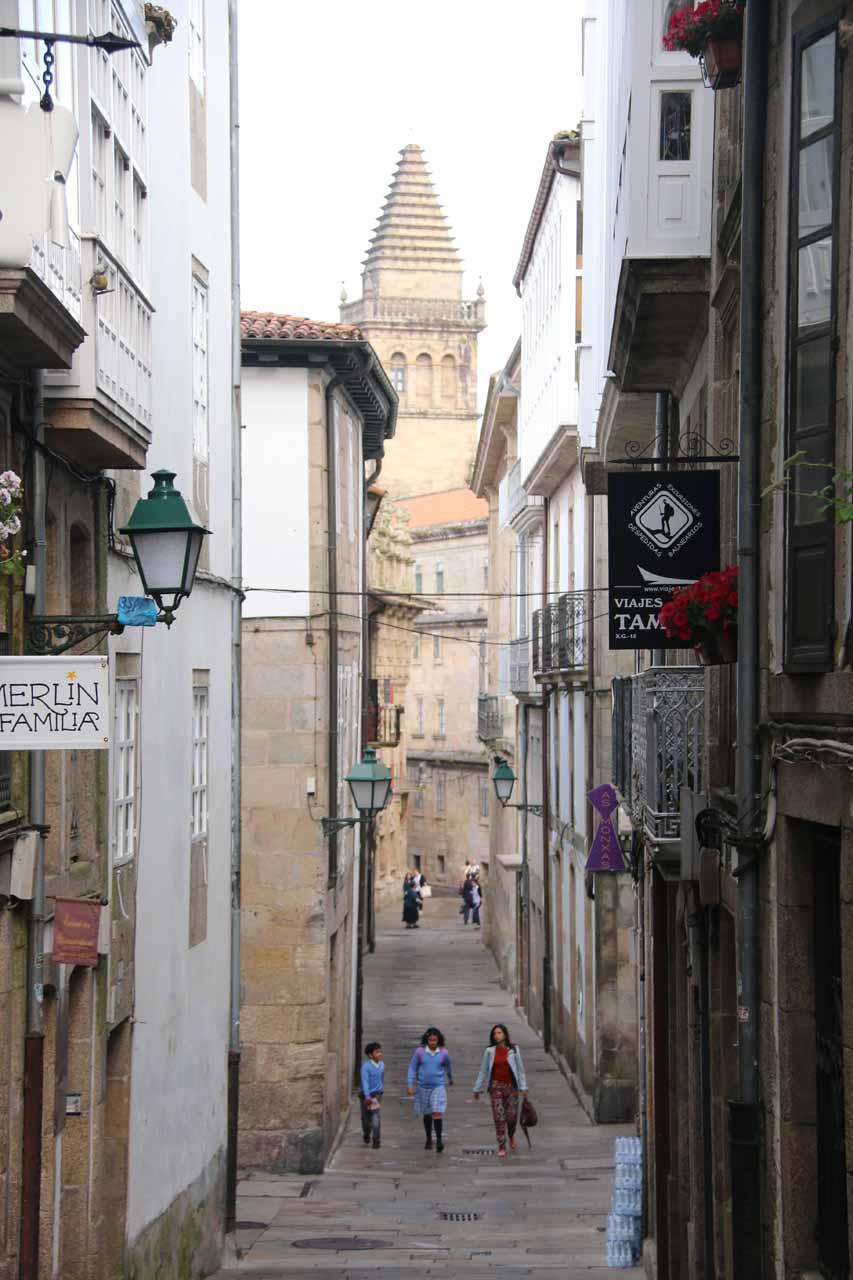 Walking back down the Rua de Xelmirez as we headed towards the Catedral de Santiago de Compostela